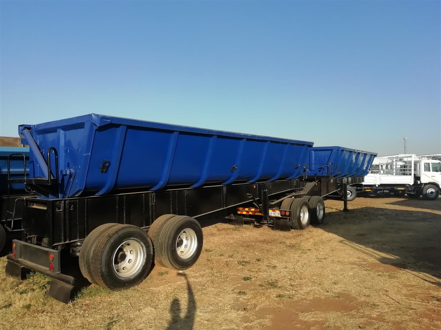 34 TON SIDE TIPPER TRAILERS FOR SALE! READY TO WORK! ADD THESE TO YOUR FLEET!