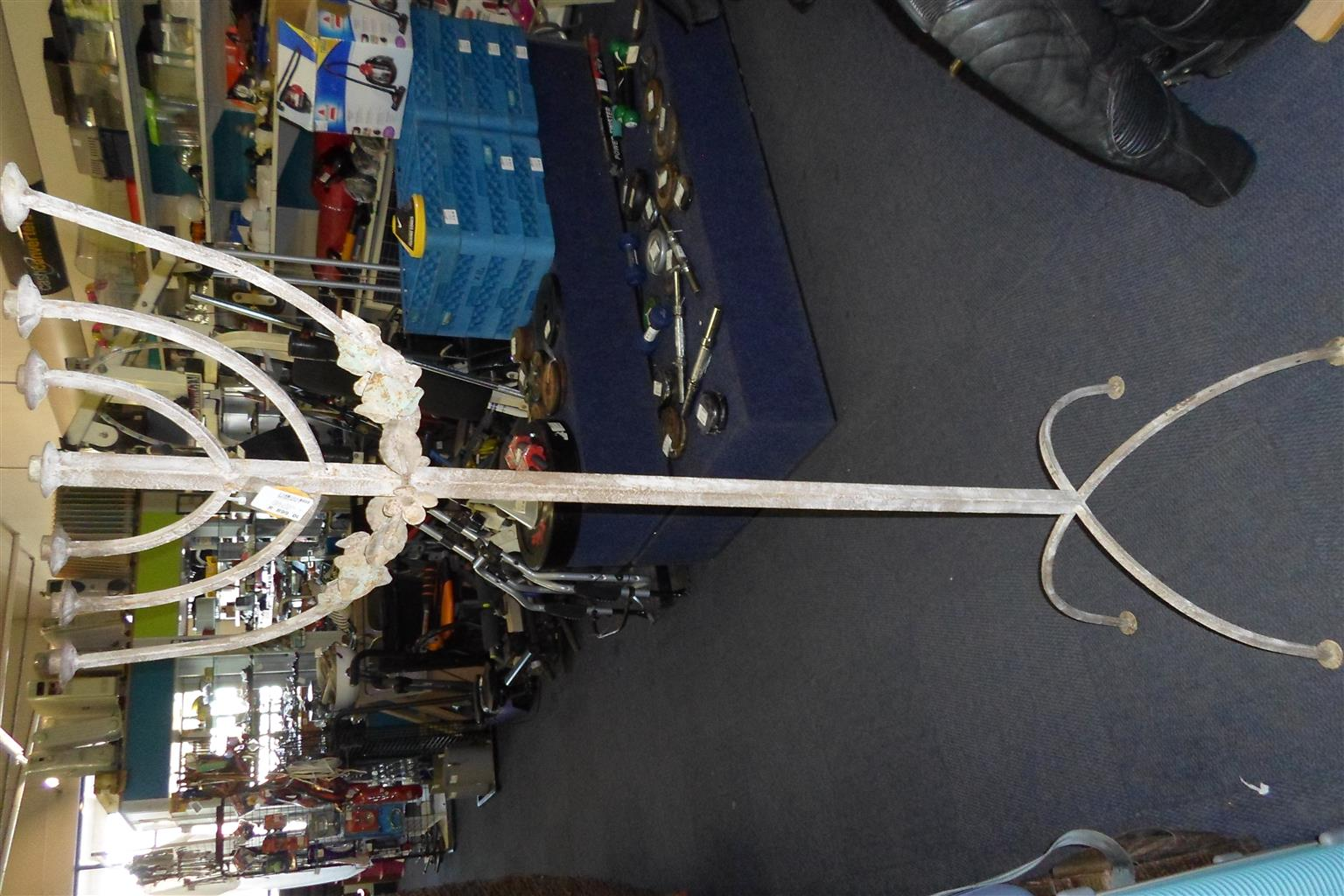 2x Metal Candle Stands