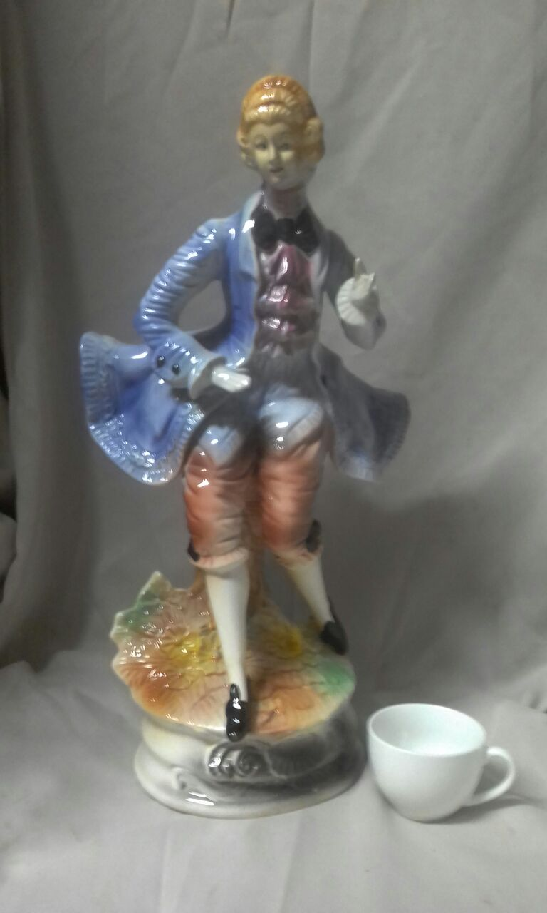 Porcelain figurines male and female / Fruit bowl & Cookie jar