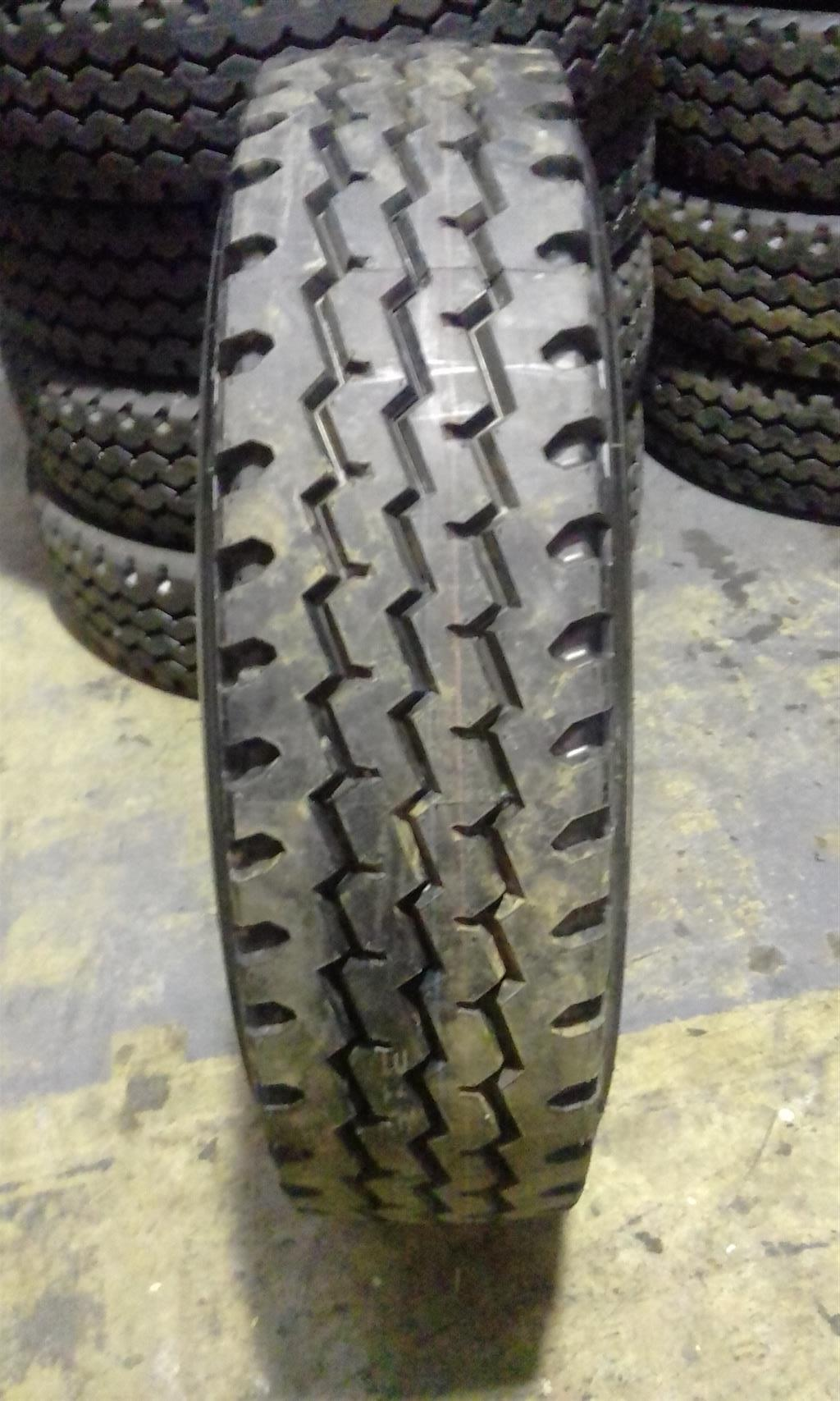 12R22.5 & 295/80R22.5 & 275/70/22.5 Retreads For Sale