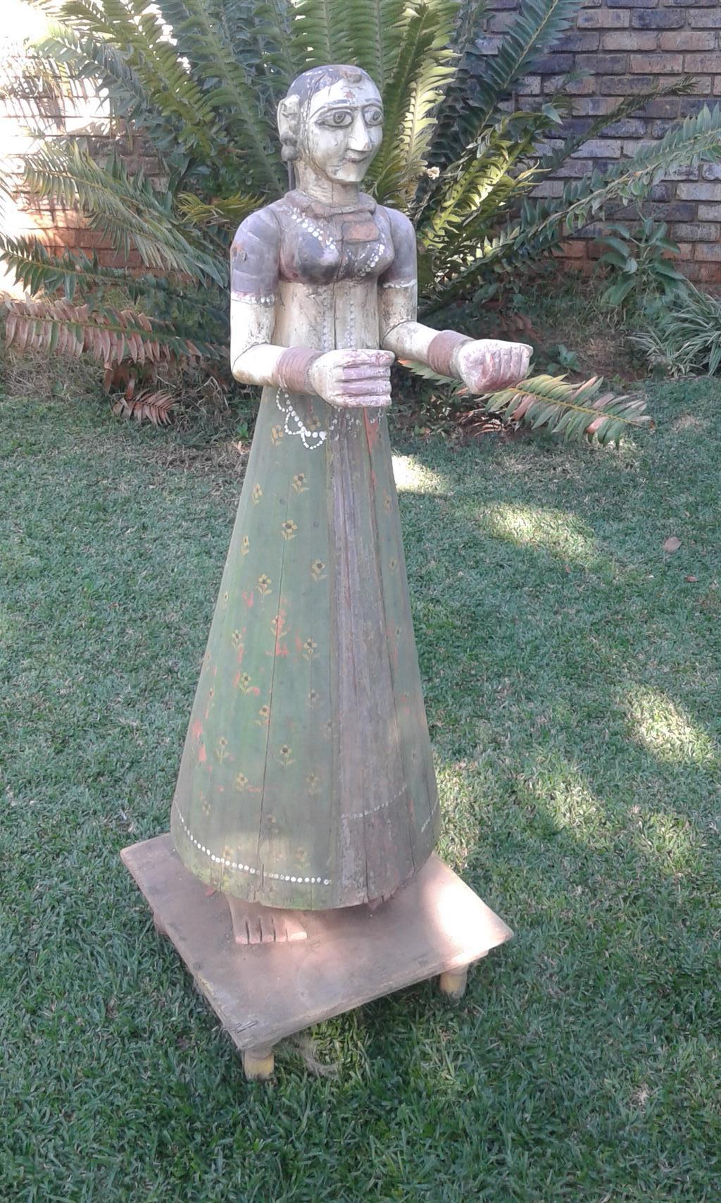 Ganguar gavar wooden statues