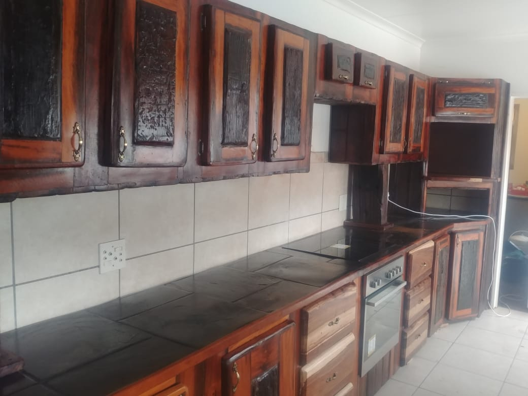 Kombuise . Kitchens.