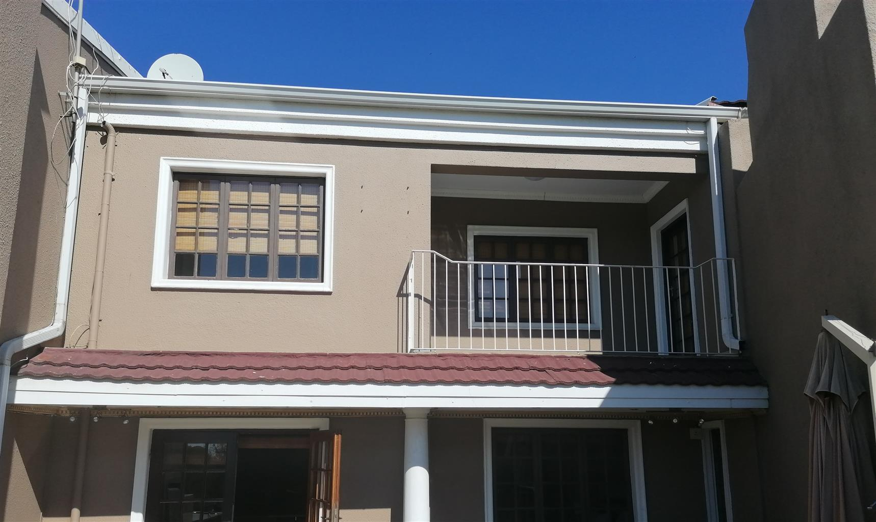lovely 2.5 bedroom apartment on the shore of the vaal river Peacehaven