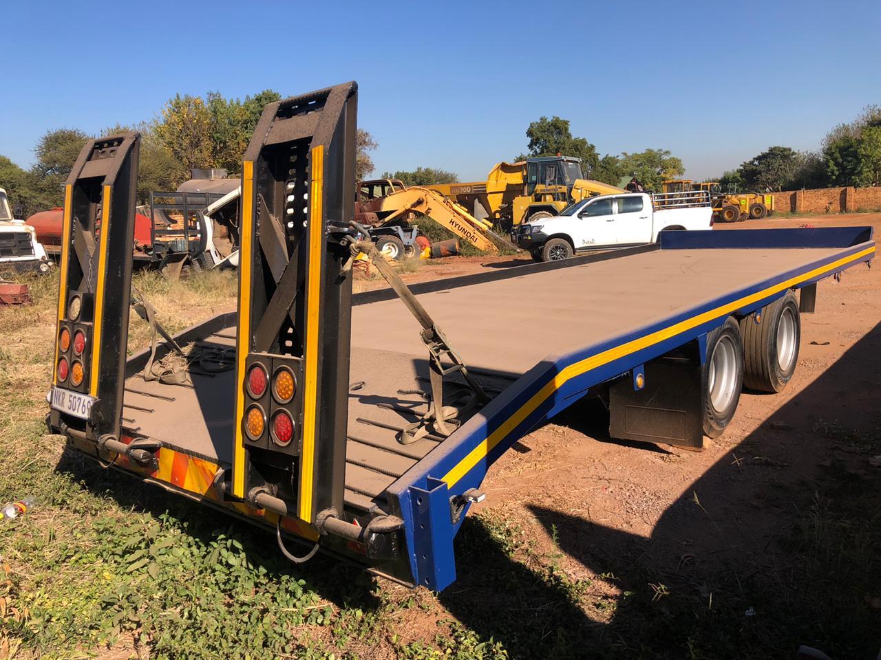 Dibbel axle stepdeck trailer