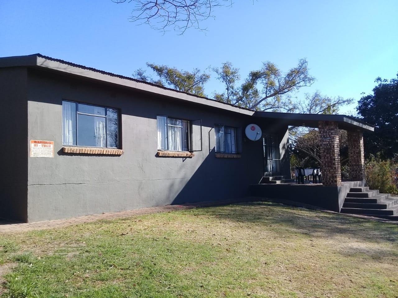 8 km outside Nelspruit - 3 bedroom house