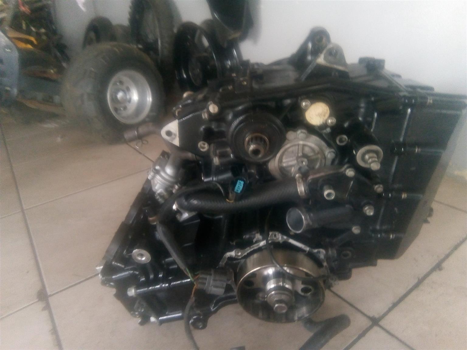 Kawasaki ZX 10 , 2010 stripping for spares