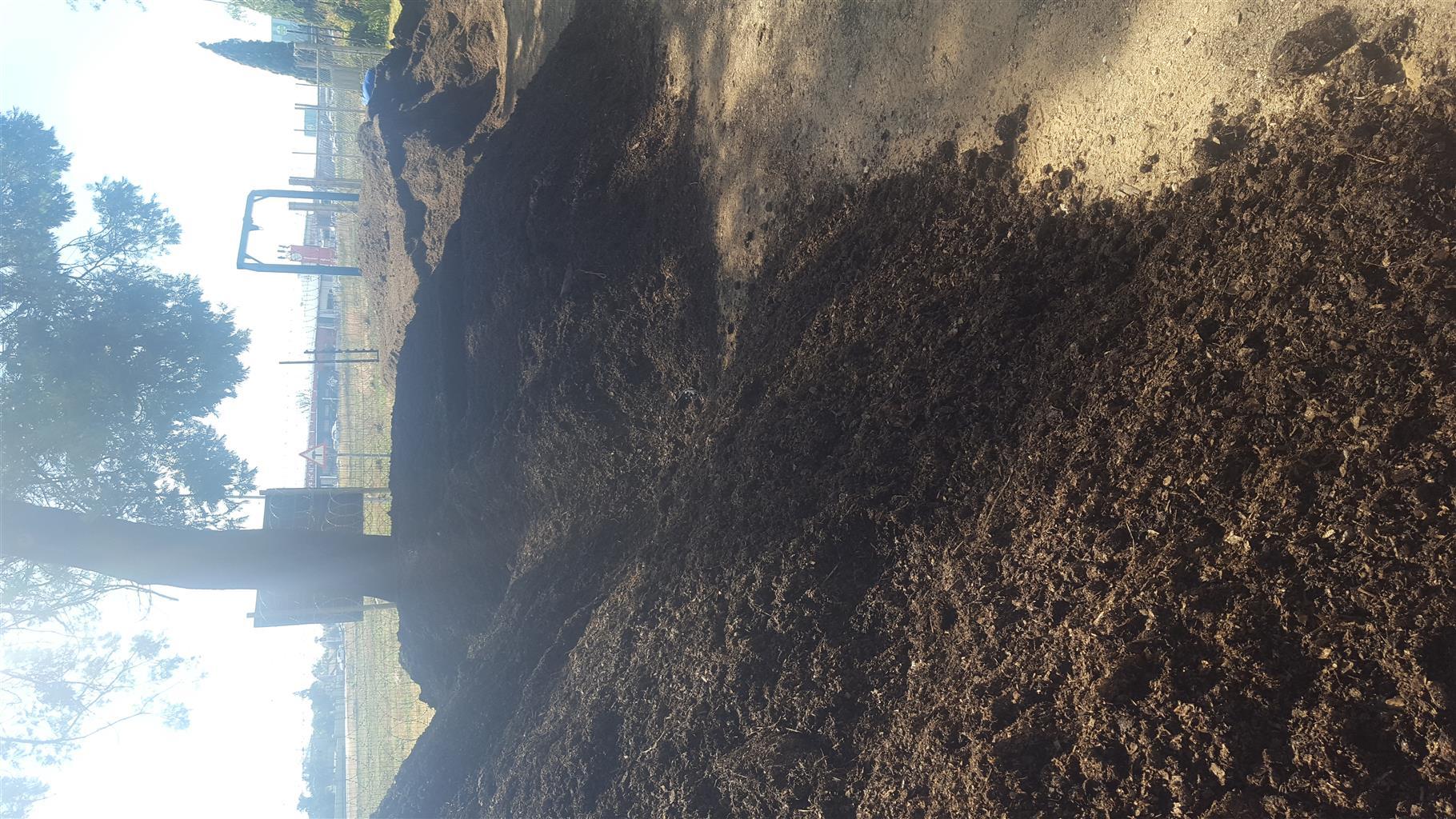 Compost, Lawndressing, Topsoil and Topsoil mix