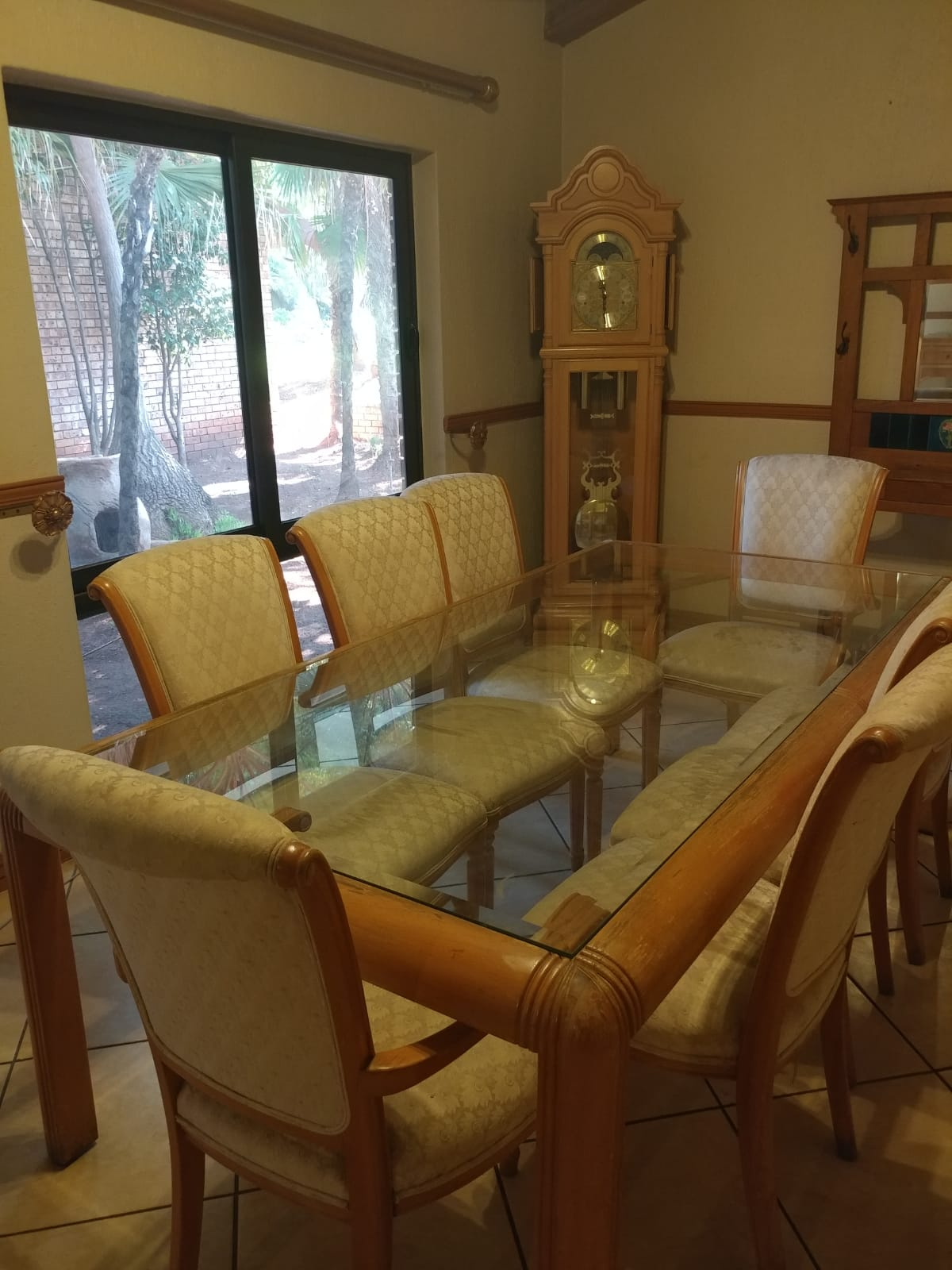 used dining room table for sale | DINING ROOM TABLE WITH 8 CHAIRS FOR SALE | Junk Mail