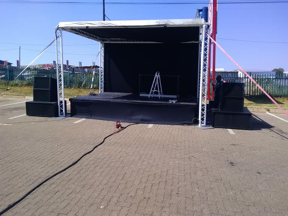 VIP Lounge/Setup And stretch tent for hire