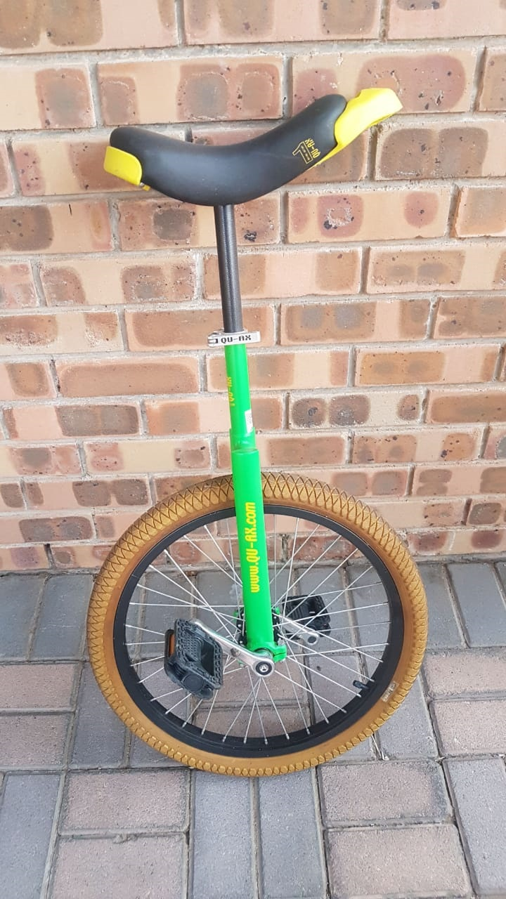 Qu-ax unicycle  excellent condition