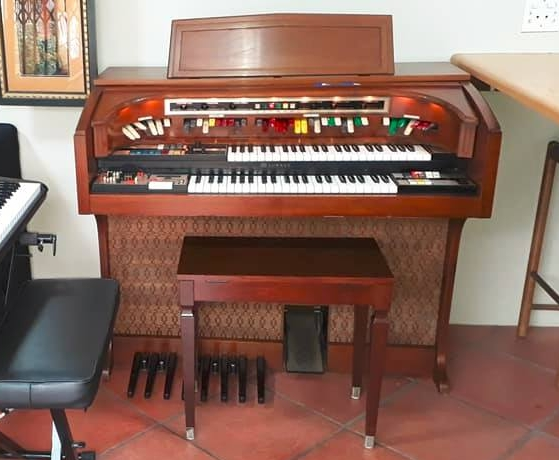 Lowrey Citation Theatre Organ