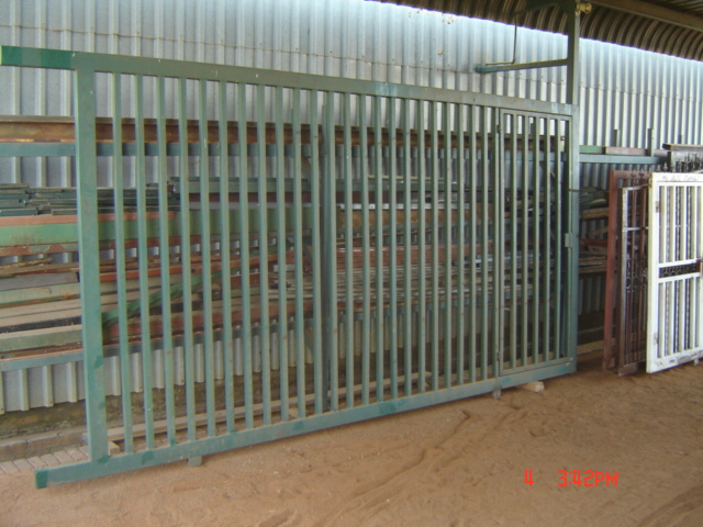 SECONDHAND GATE FOR SALE