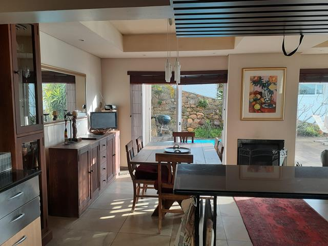 Townhouse For Sale in Camps Bay