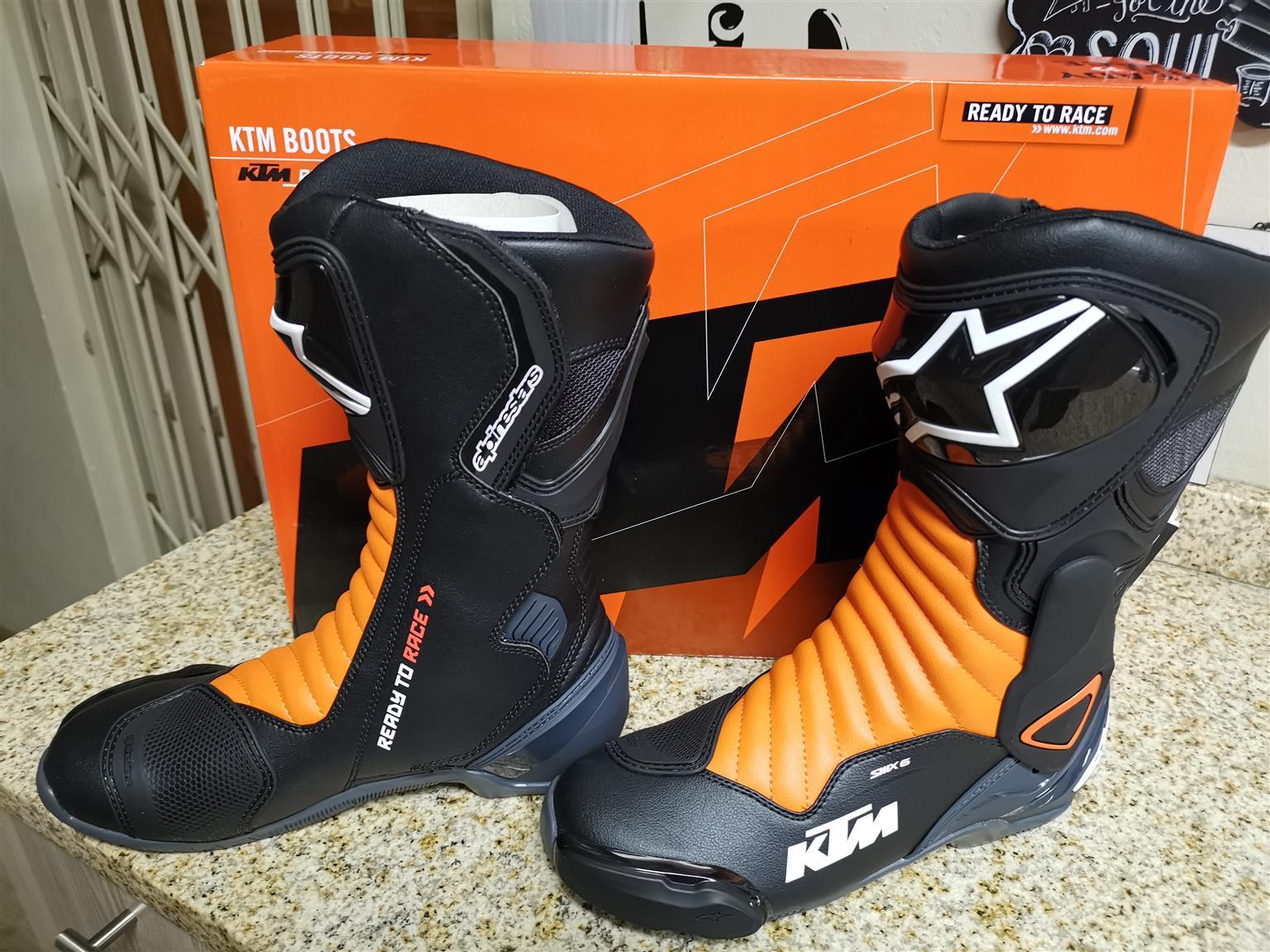 KTM Alpinestars boots