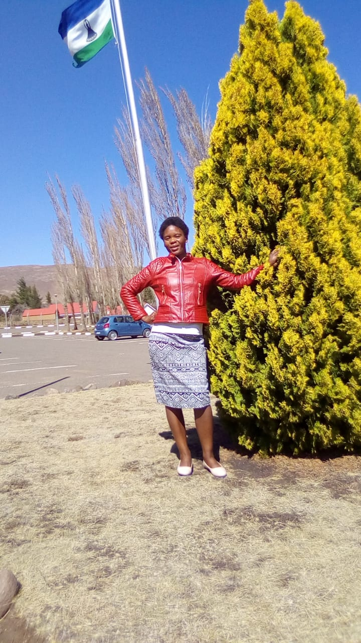 Lesotho maid,nanny,cleaner,cook and care-giver with refs needs stay in or stay out work