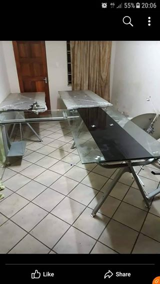 Office glass top table 10 mm glass