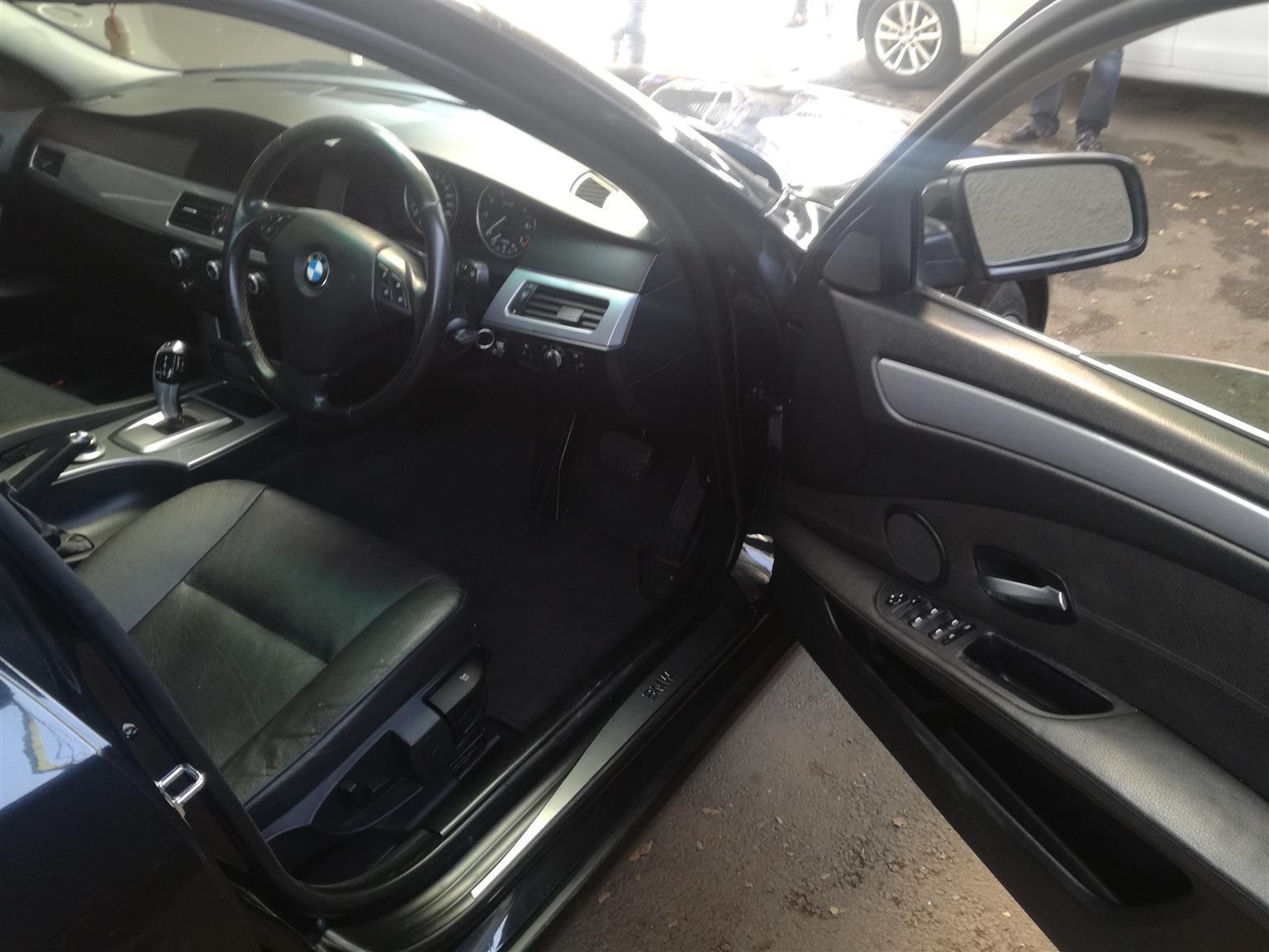 2008 BMW 5 Series 520i Modern