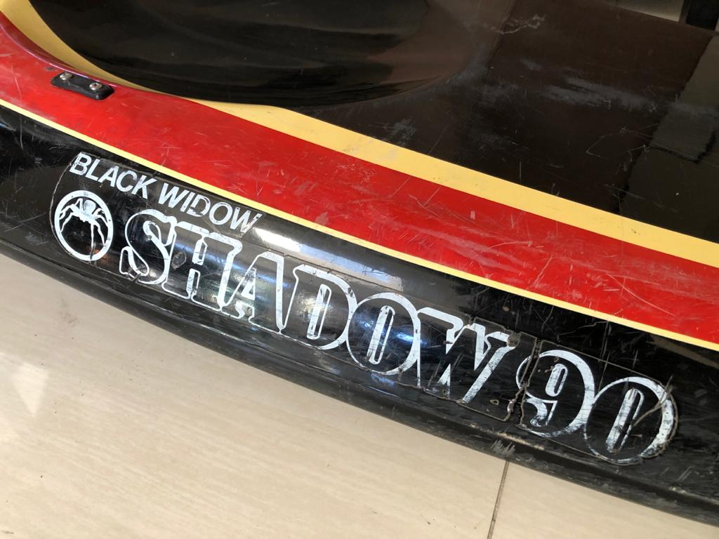Black Widow Shadow 90 kayak with 2 paddle oar