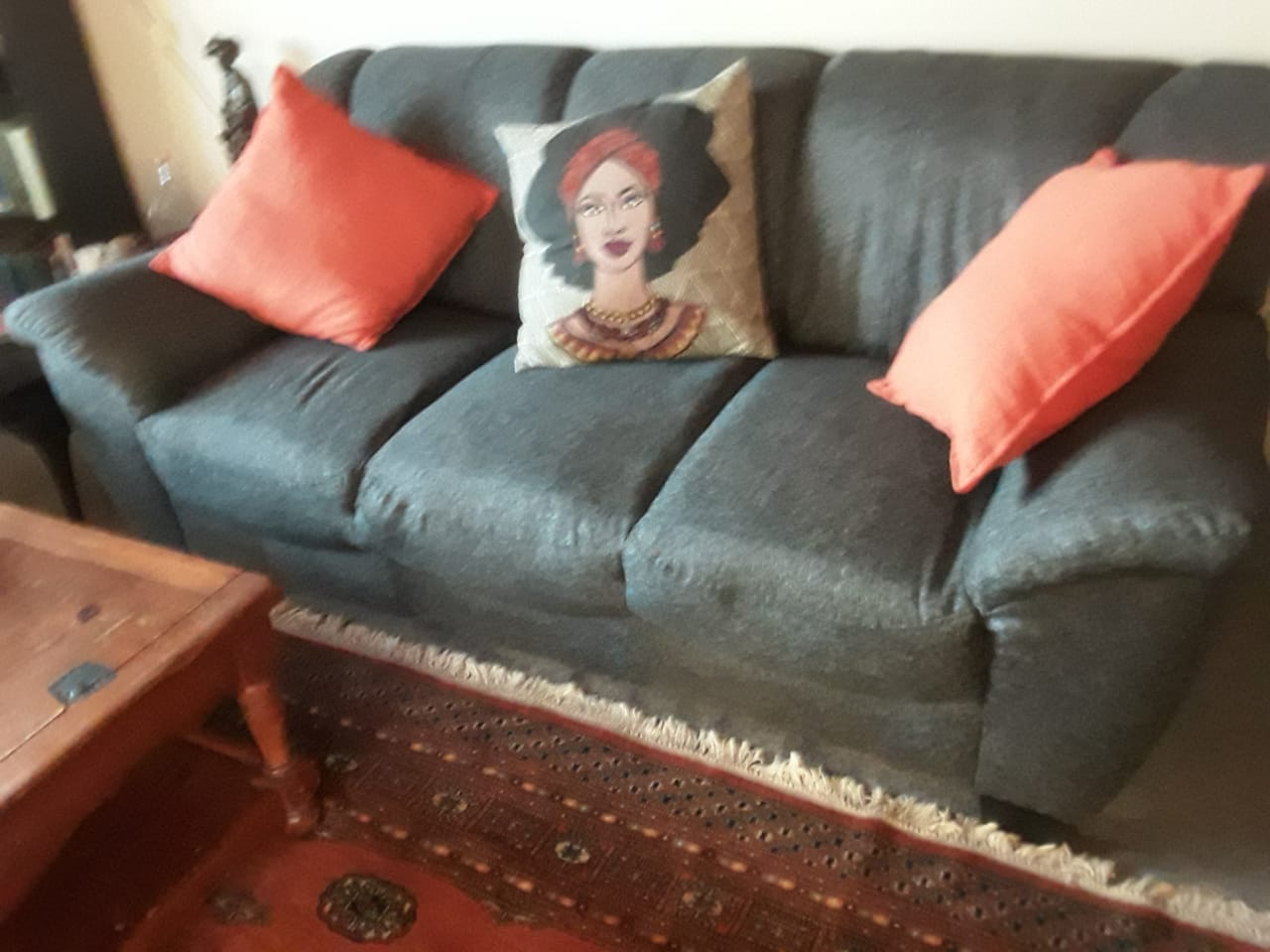 6 seater lounge suite .  Good condition still new.