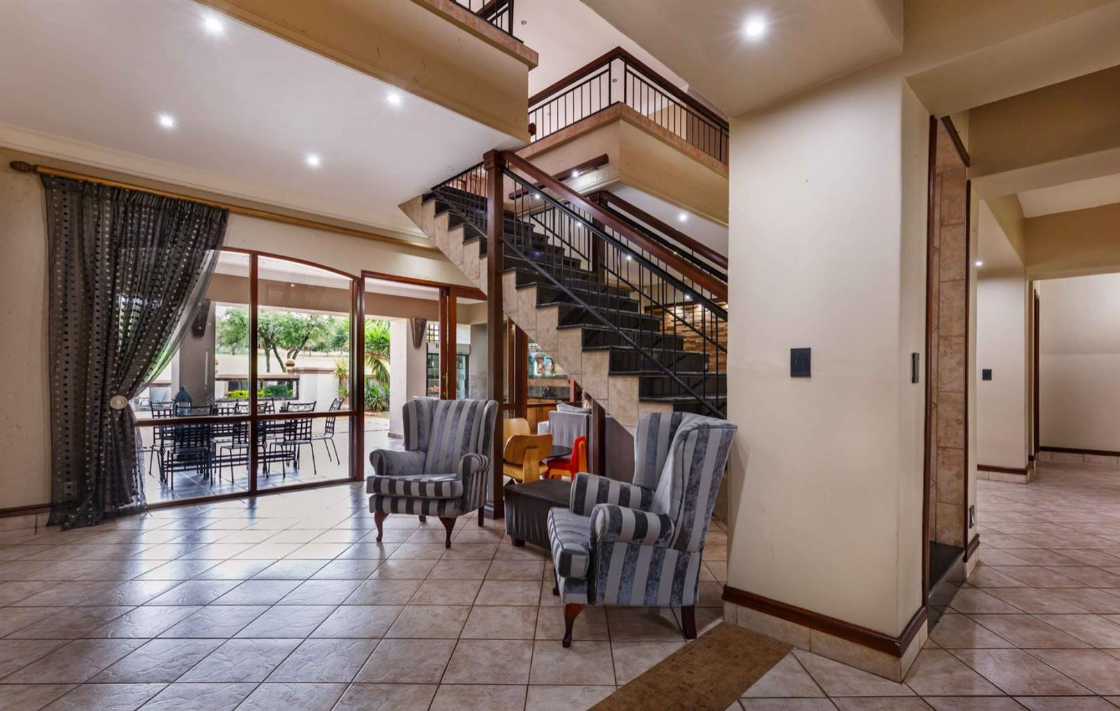 House For Sale in Woodhill Golf Estate