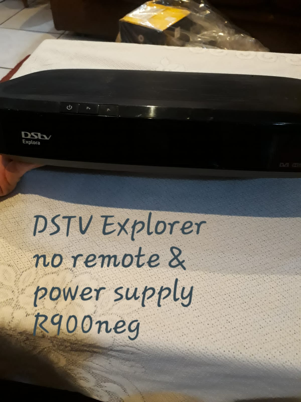 DSTV Decoder Explorer no remote or power supply. works properly.