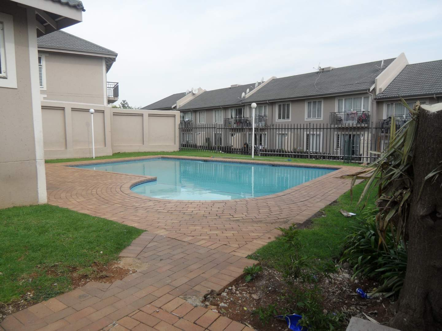 Townhouse For Sale in Rembrandt Park