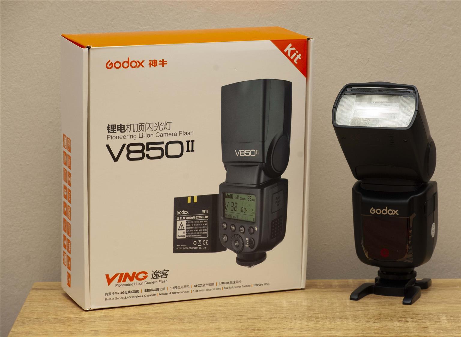 Godox V850ii speedlites