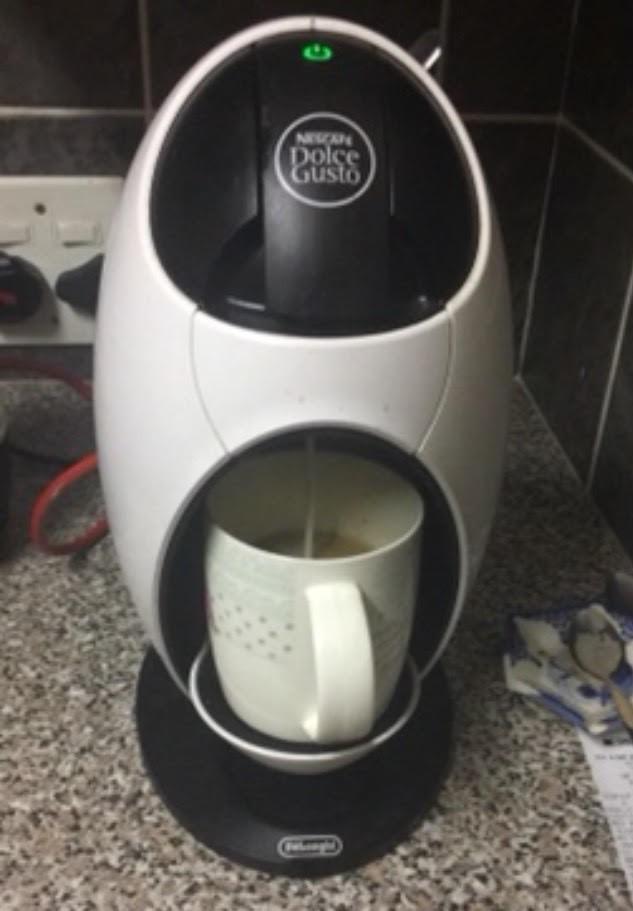 Dulce Gusto White coffee machine - without box ( Price neg)