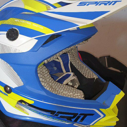 Spirit Helmet with accessories