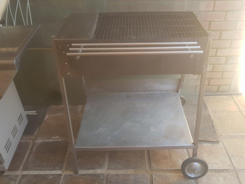 Rectangular stainless steel portable braai
