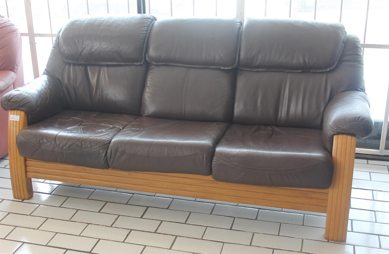3 Piece brown leather couch S046111B #Rosettenvillepawnshop