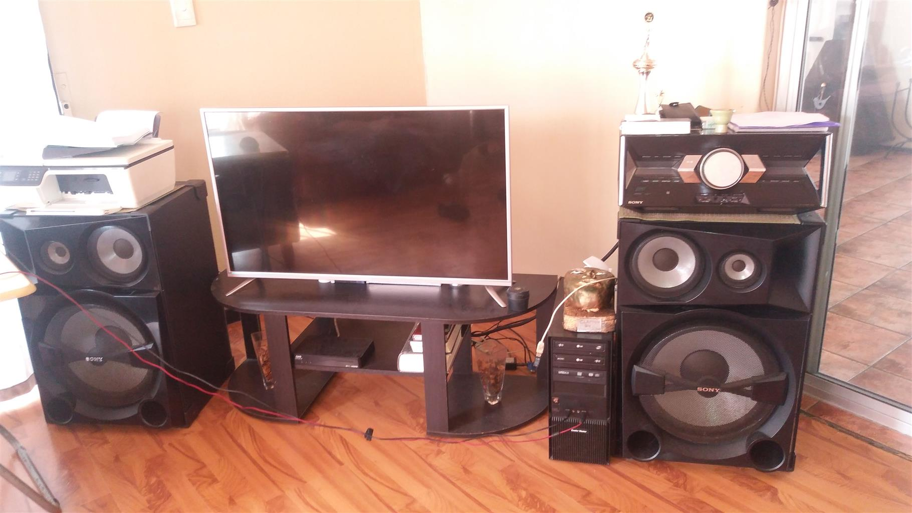 Sony Shake 7 Sound System - R5500 - Strandfontein - 3 years old in perfect ondition. 083_297_5847