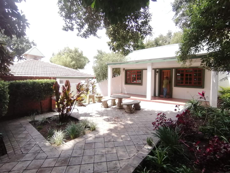 Cottage Rental Monthly in Edenburg