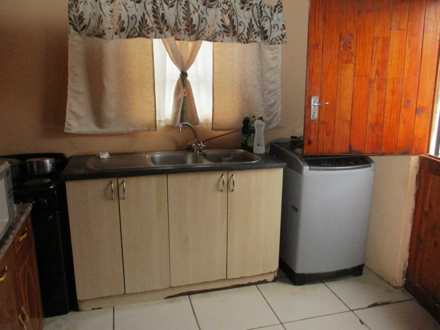 House For Sale in Motherwell