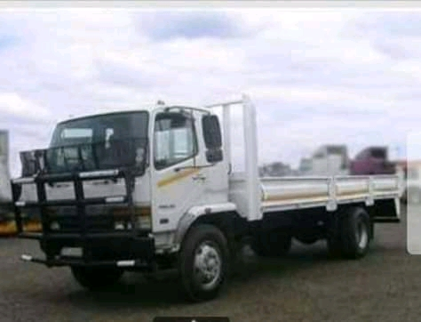 4 and 8 tone trucks for hire