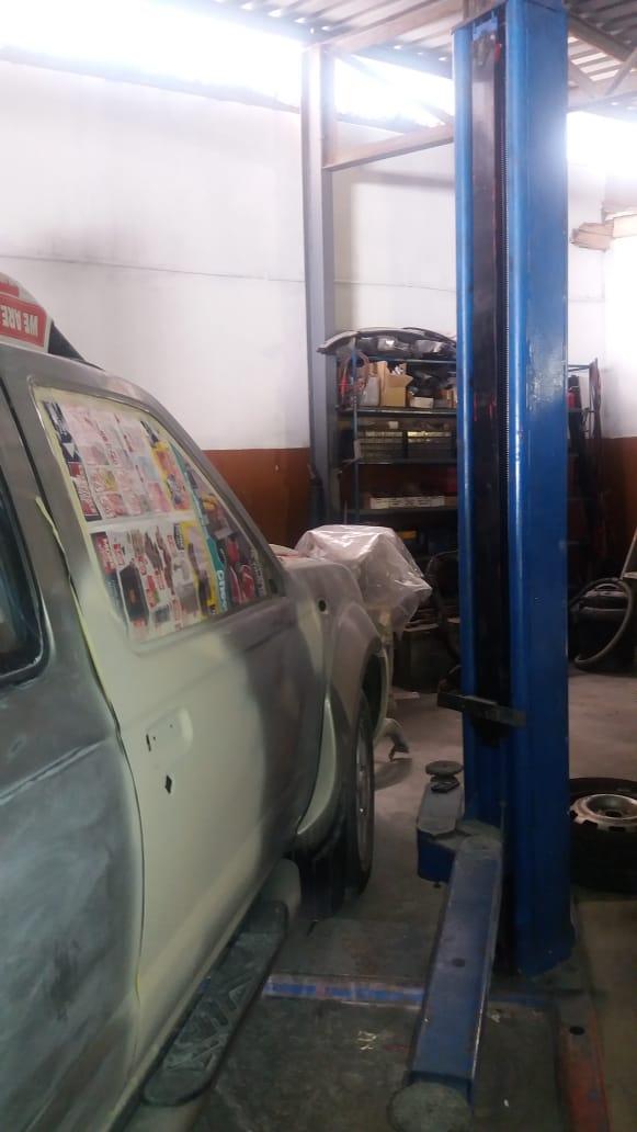 Stenhof 2 poster car lift for sale