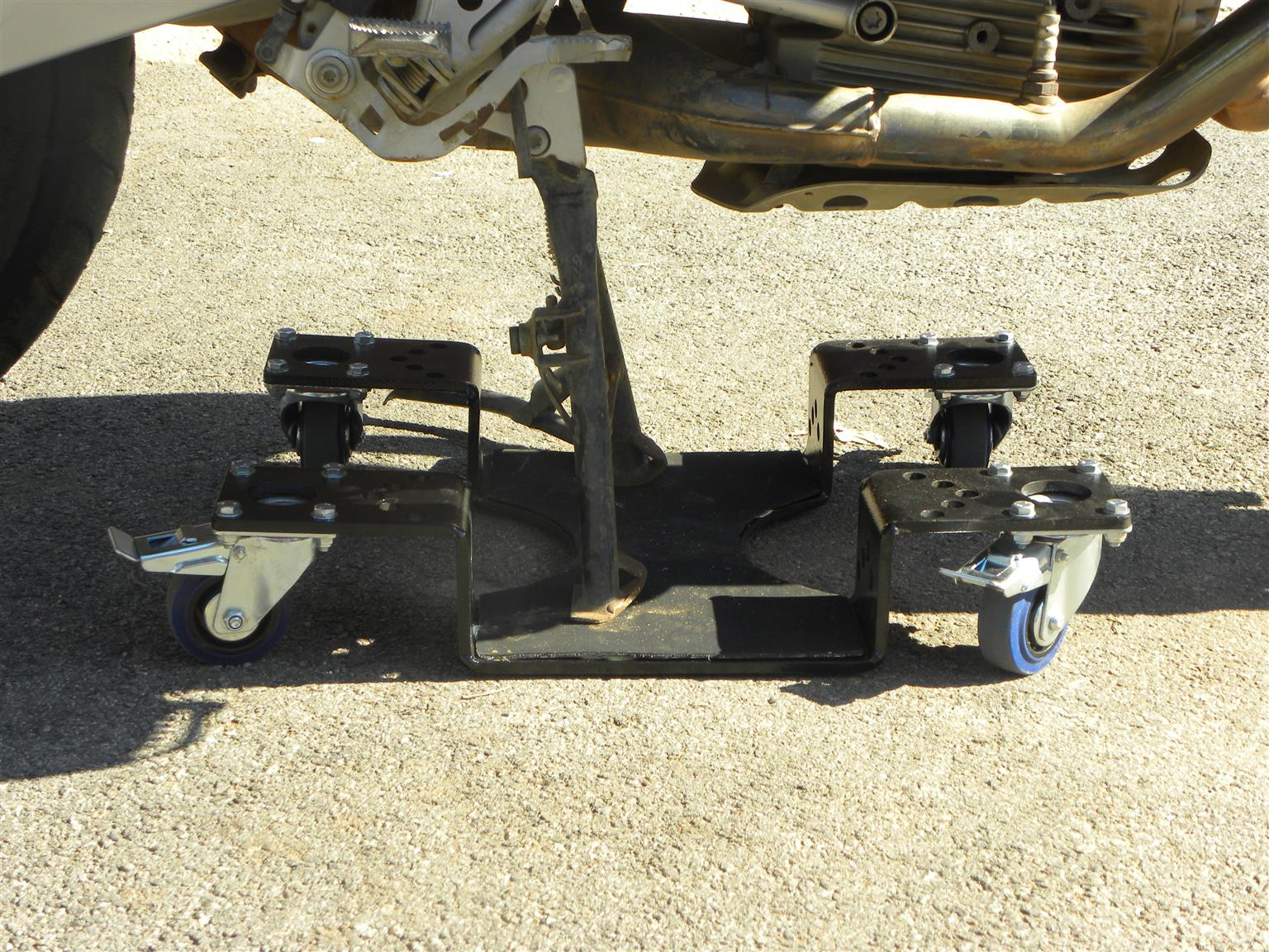 Centre stand dolly/trolley