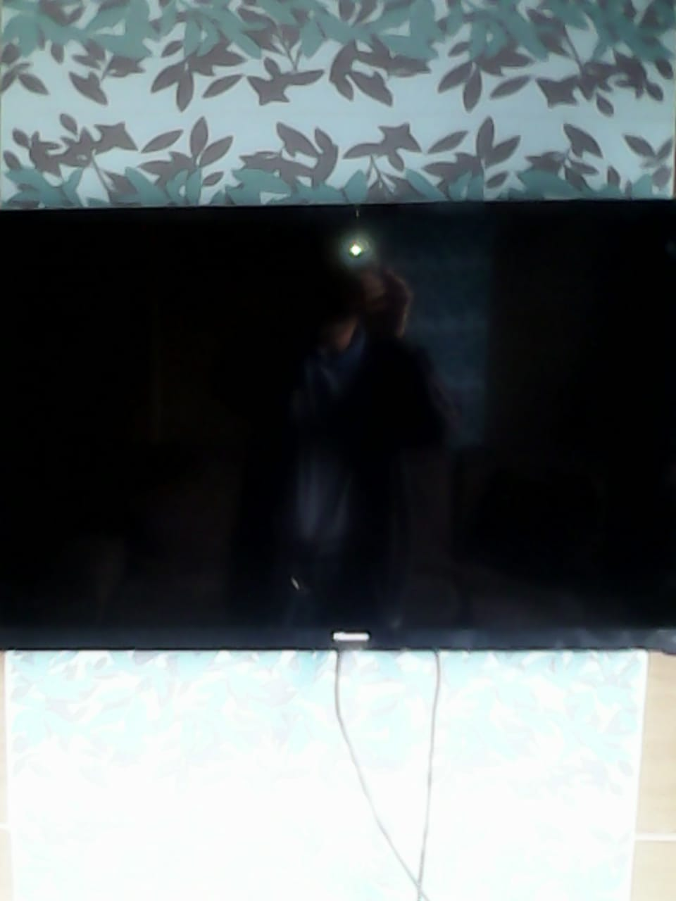 I AM LOOKING FOR A SECOND HAND TV TO BUY FOR CASH