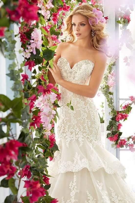 Bridal business with stock for urgent sale