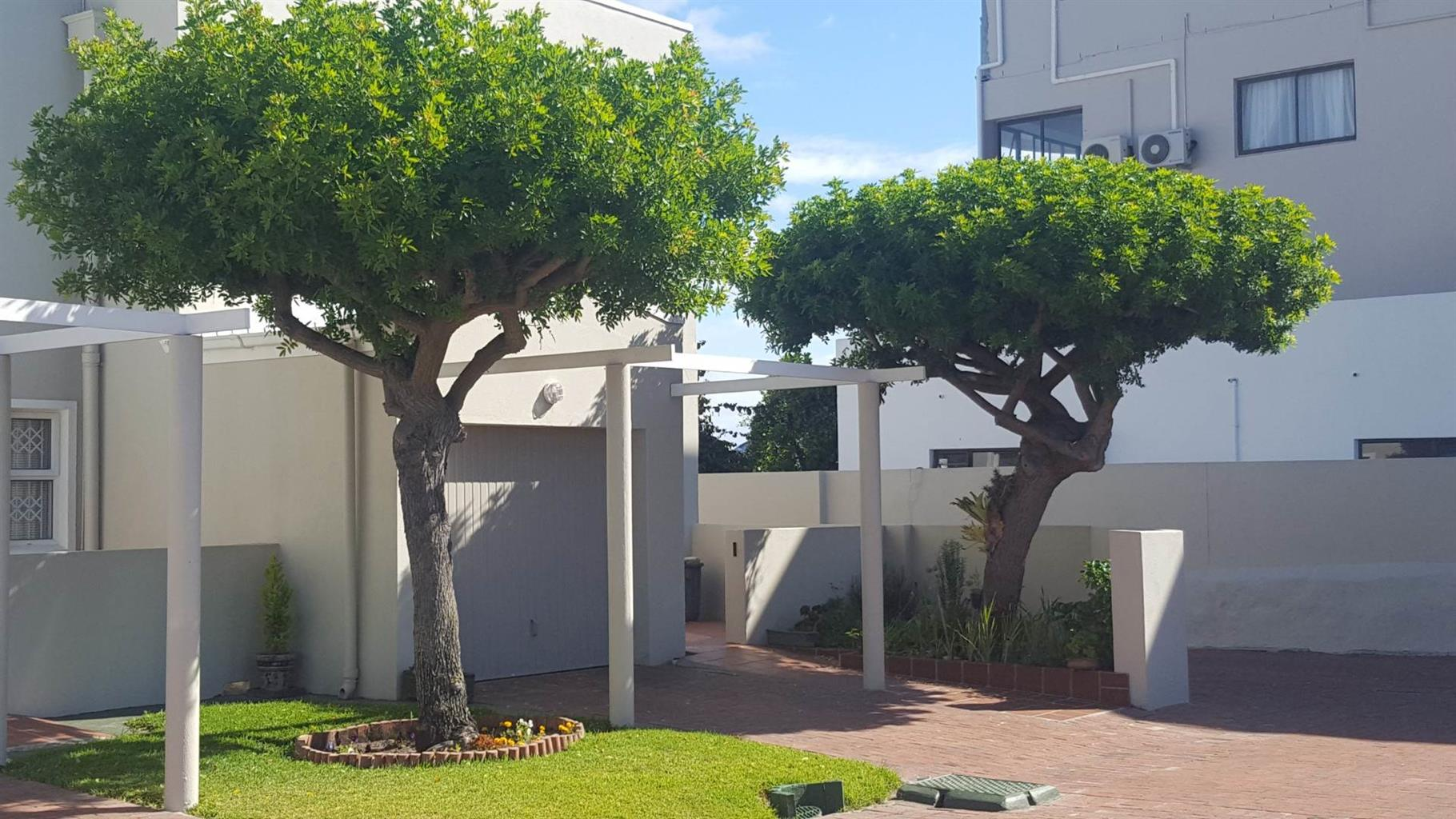 Apartment For Sale in WESTCLIFF