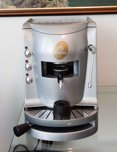 Mokador espresso coffee machine - heavy duty and in excellent condition for sale in Centurion