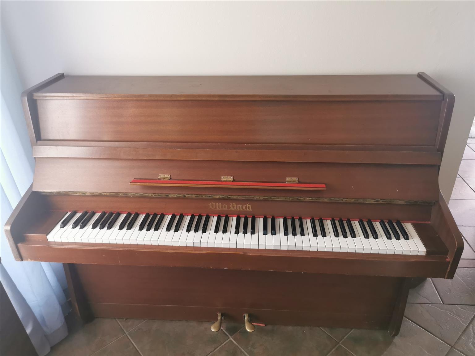 Otto Bach piano