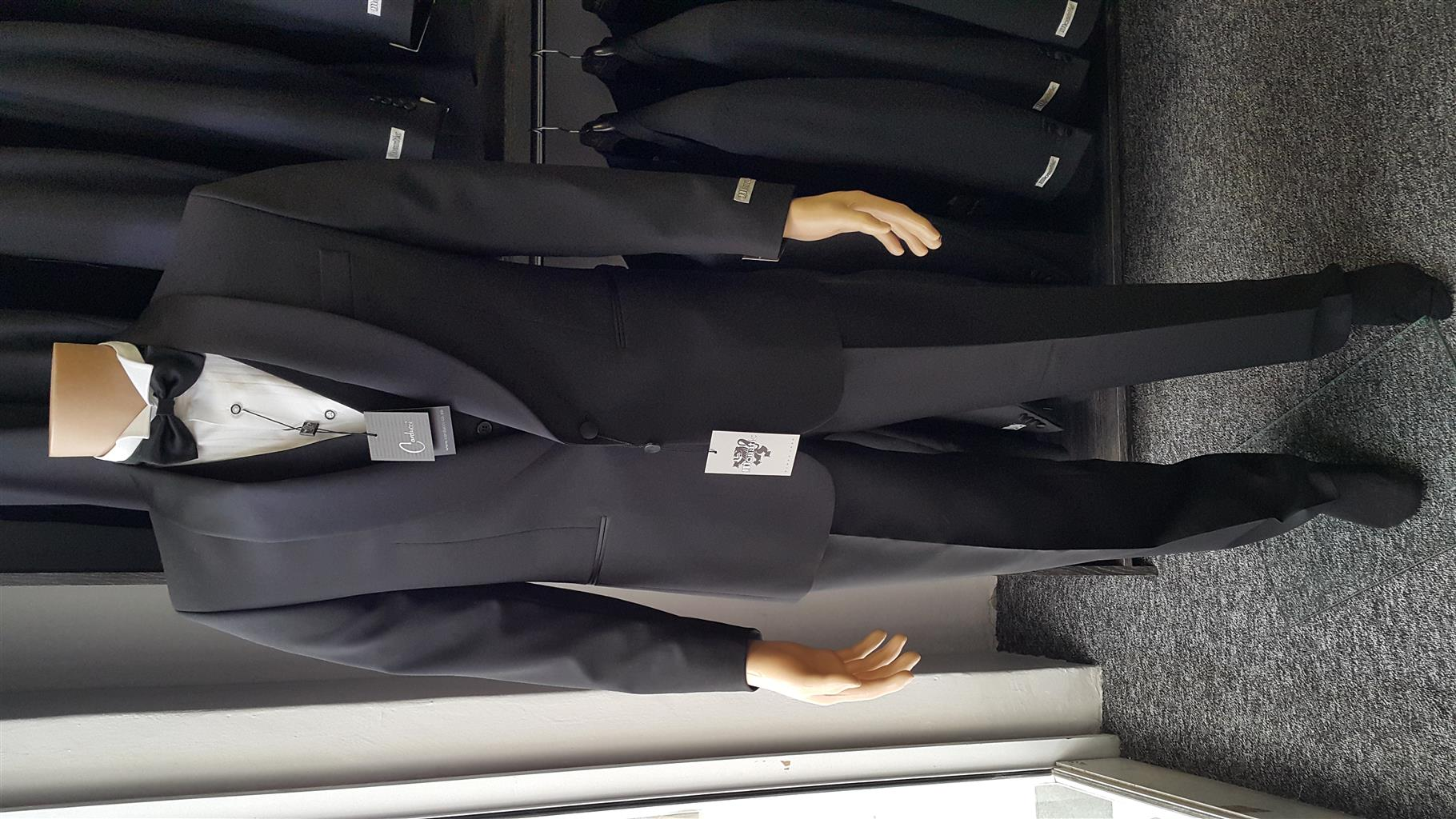 Mens suits, tuxedos, casual and formal wear for sale and hire