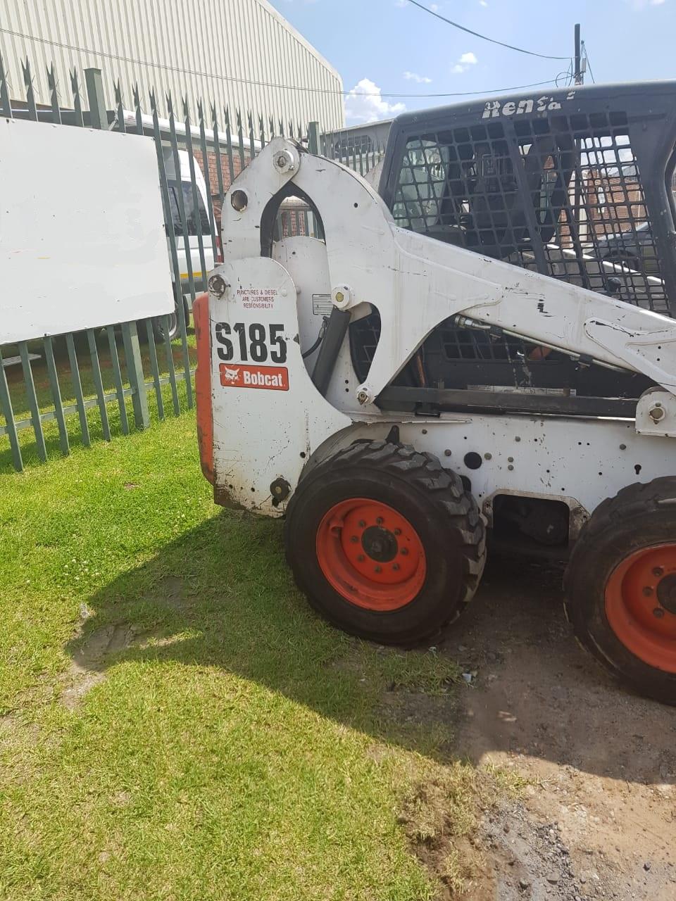 6 x Bobcat S185 skidsteers for sale