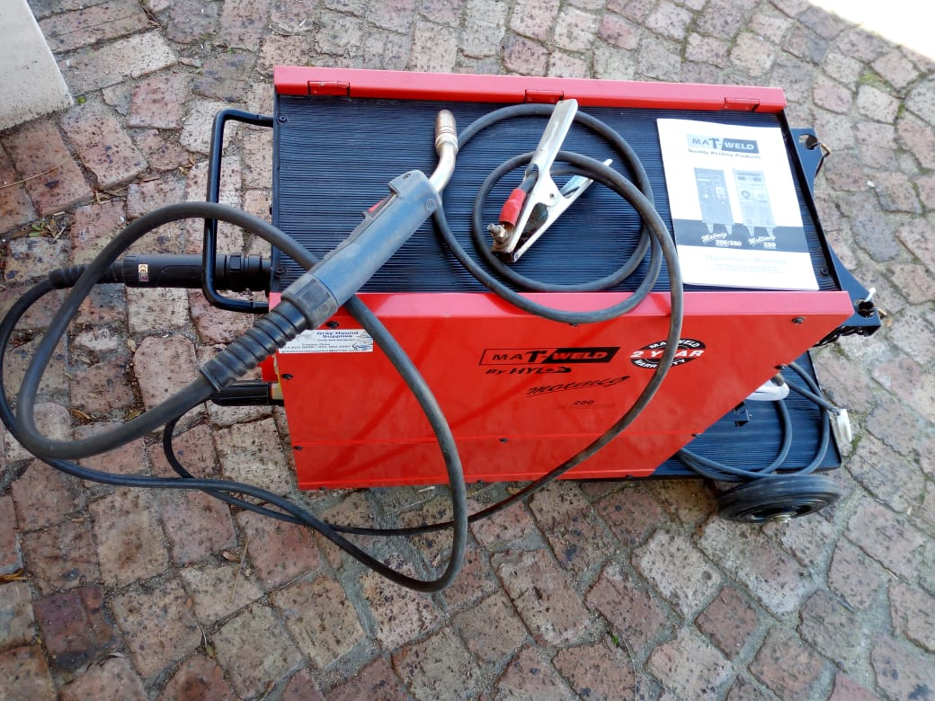 Used Mig Welders For Sale >> 200amp Matweld Mig Co2 Welding Machine Like New Plus Accessories Junk Mail