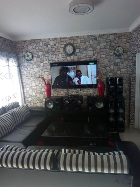 Bloubosrand - Modern 3 bedrooms 2 bathrooms apartment available R8500