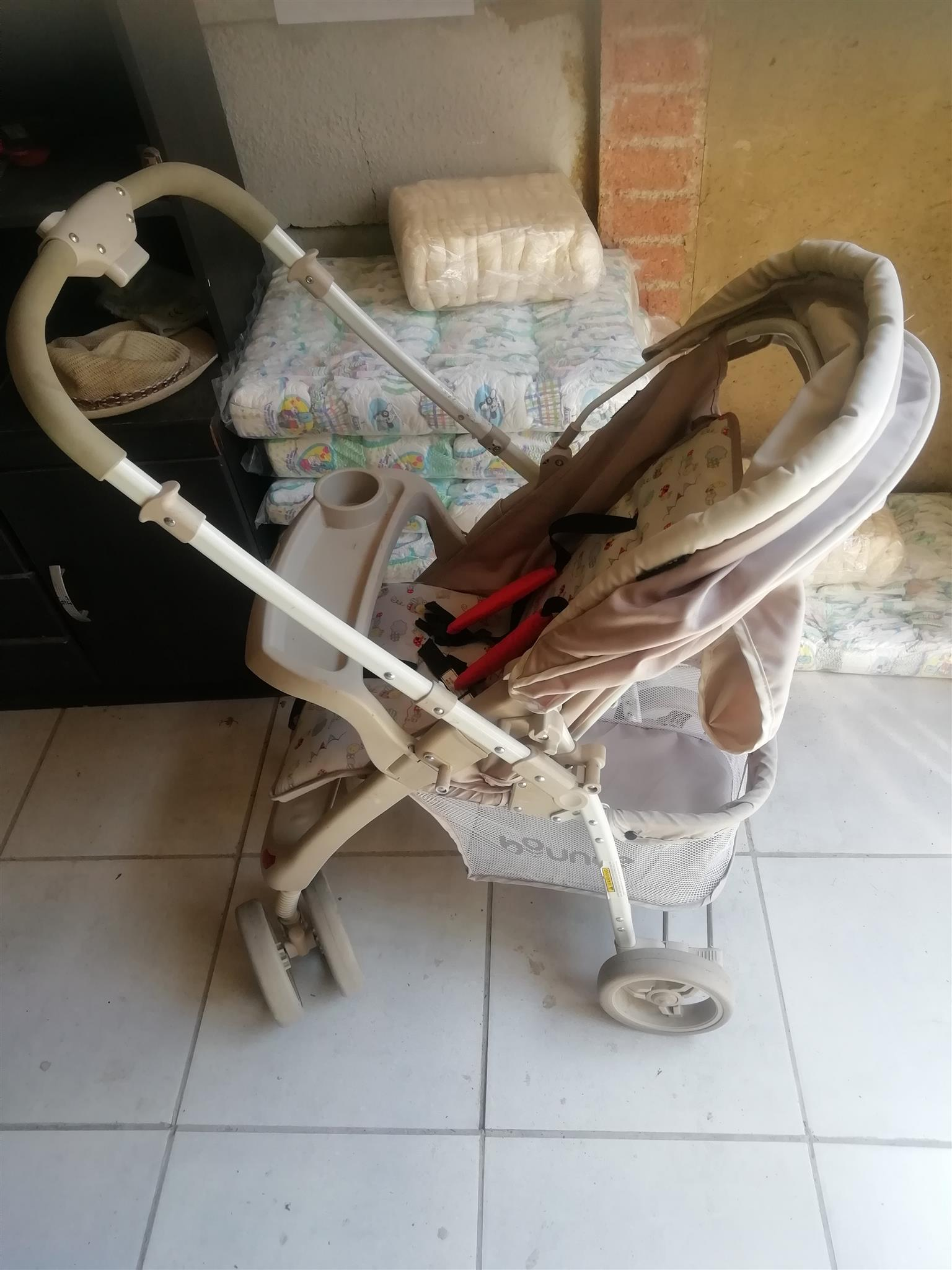 Single Prams and bambino car seat
