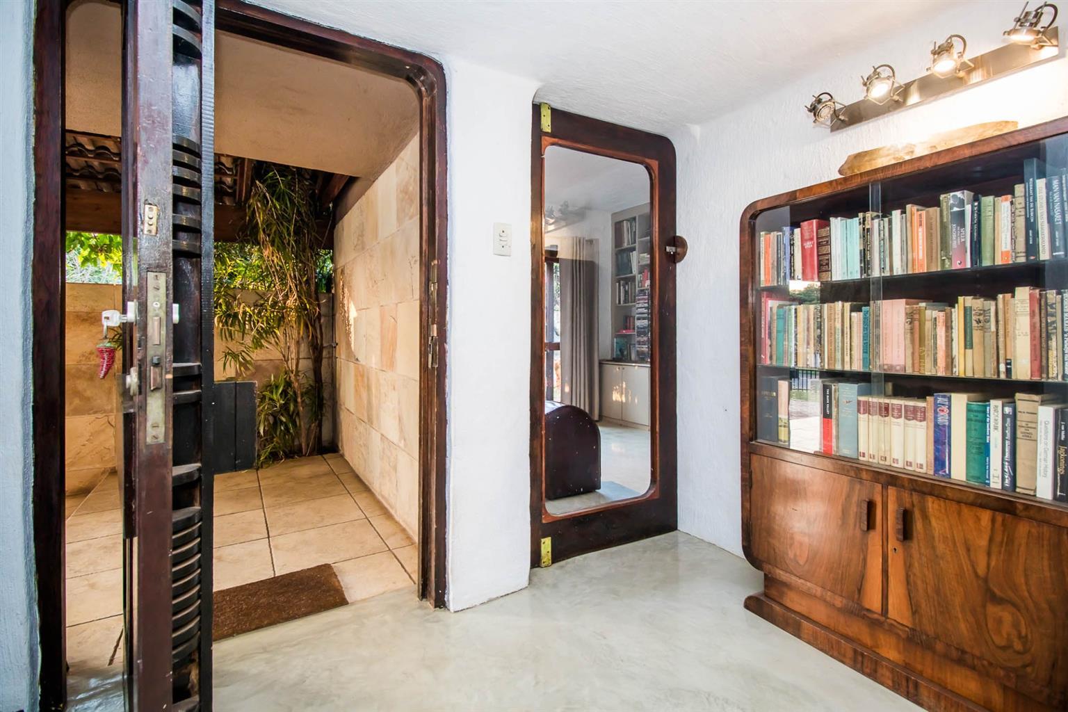 House For Sale in Lynnwood Ridge