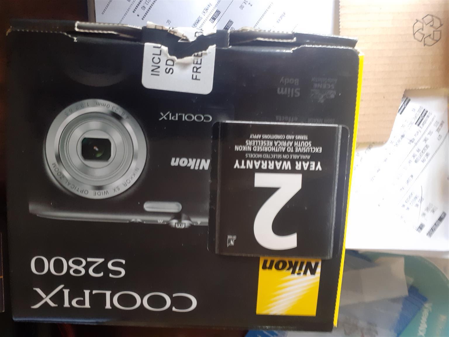 Nikon Coolpix S2800 brand new