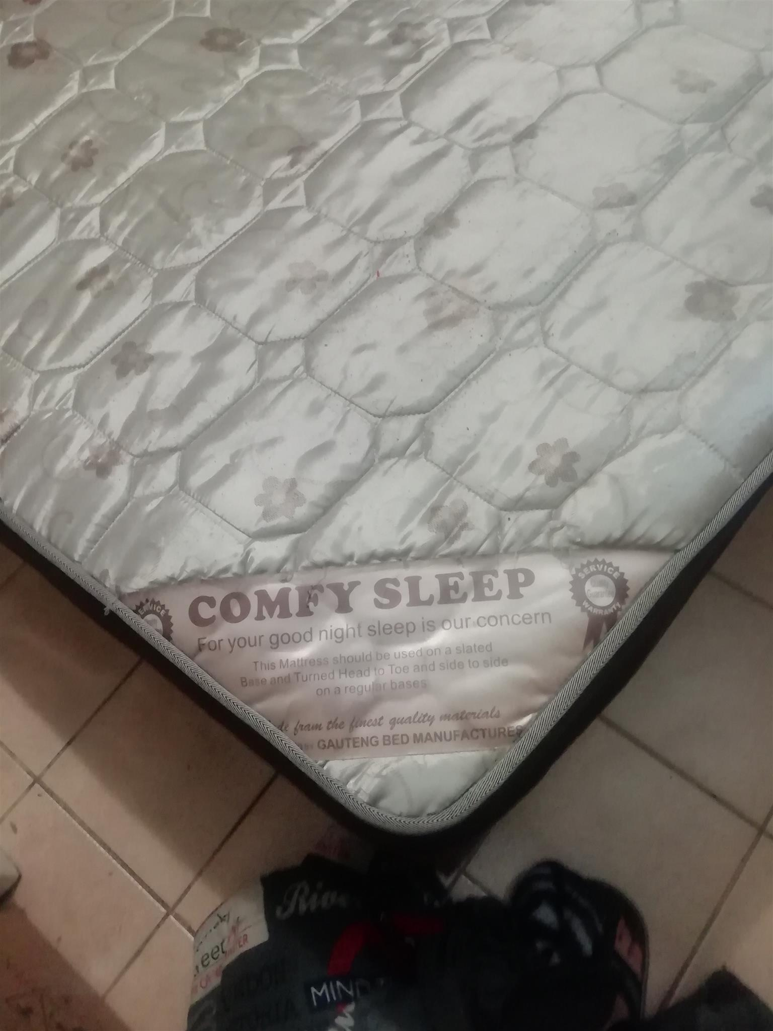Three Quarter Comfee Sleep Base and Matress Set